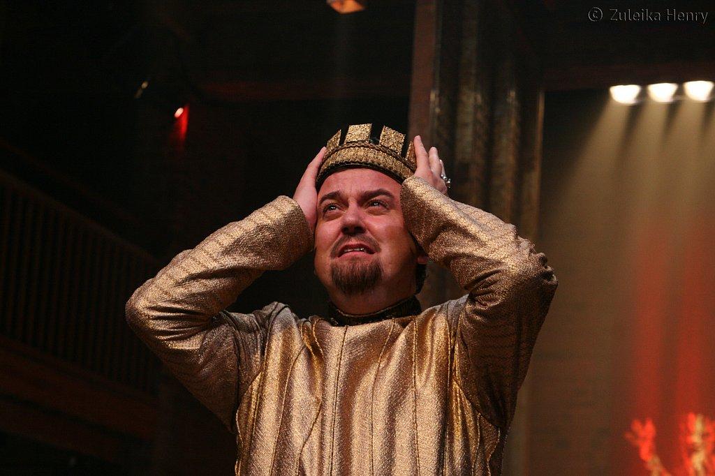 Richard McCabe as King John