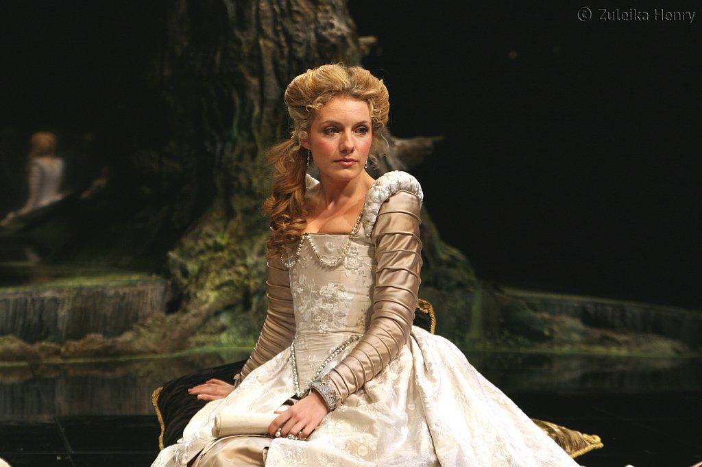 Natalie Walker as Maria