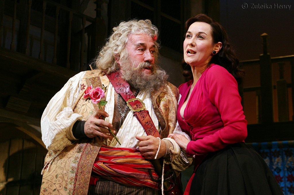 Simon Callow as Falstaff and Alexandra Gilbreath as Mistress Ford