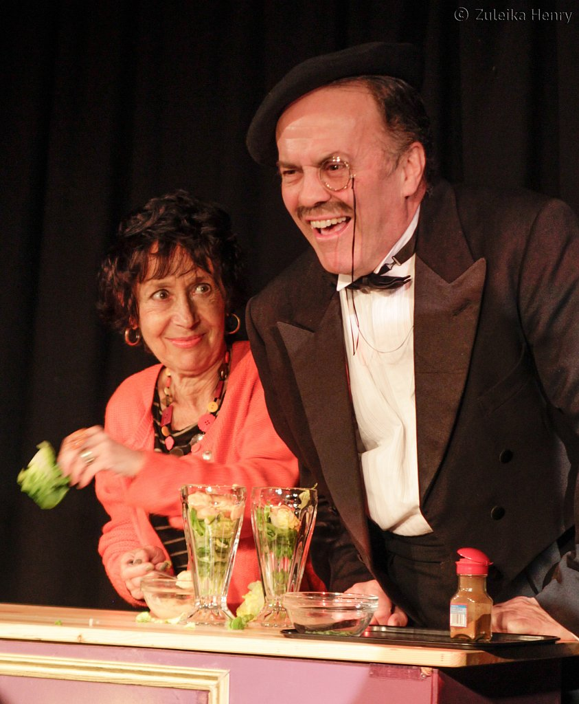 Audience partisipation Fanny and Johnnie Cradock Cook The Great American Songbook