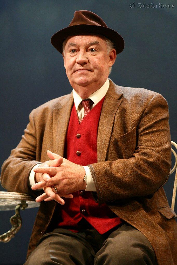 David Calder as Harry
