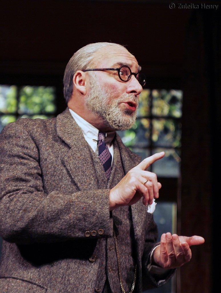 Antony-Sher-as-Freud-2.jpg
