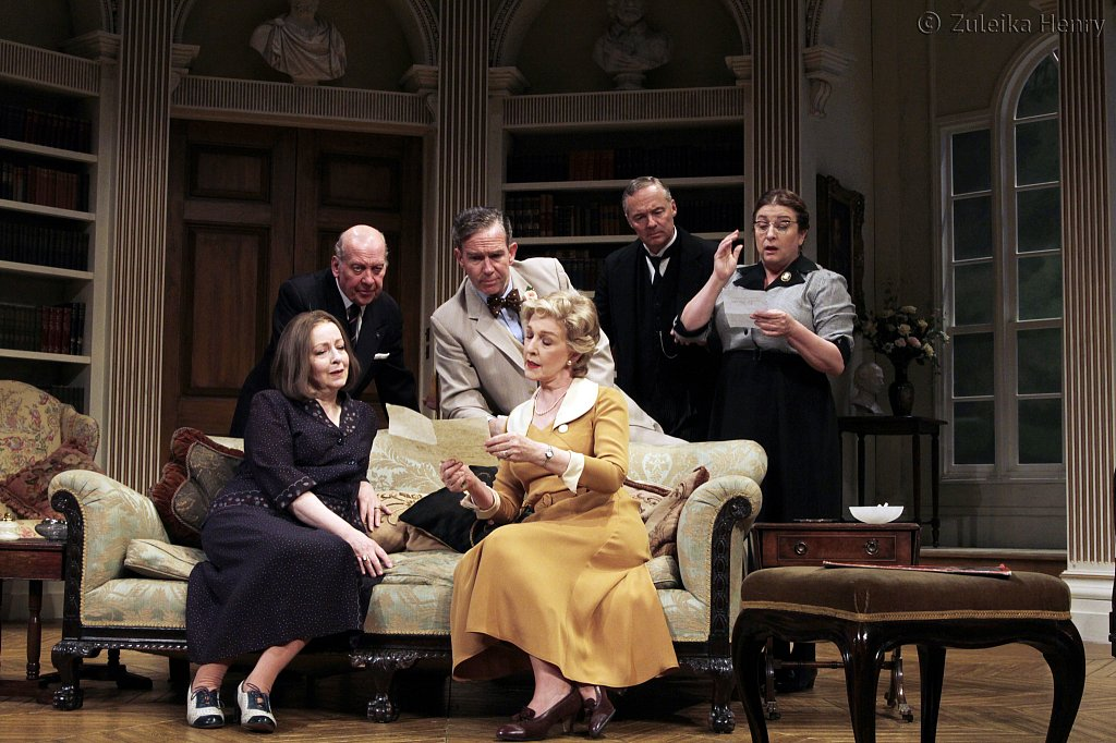 Amanda-Boxer-Timothy-Kightley-Steven-Pacey-Patricia-Hodge-Rory-Bremner-and-Caroline-Quentin.jpg