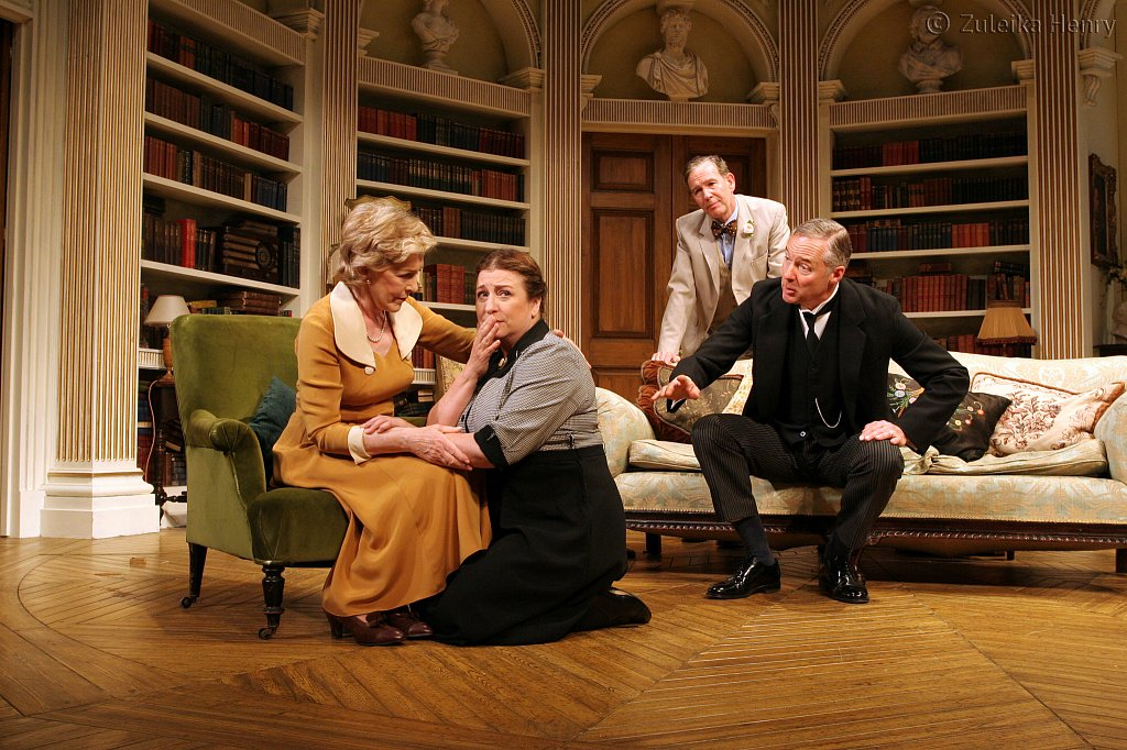 Patricia-Hodge-Caroline-Quentin-Steven-Pacey-and-Rory-Bremner.jpg