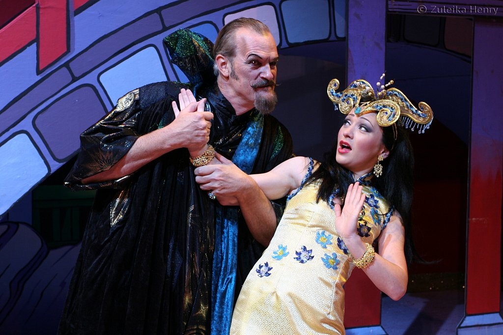 Clive Mantle as Abanazar and Lauren James as The Princess