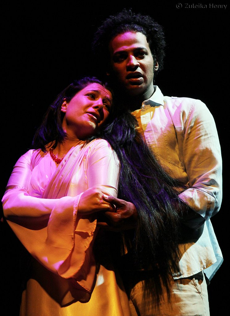 Sarwa Rasool as Juliet and Ahmed Salah Moneka as Romeo