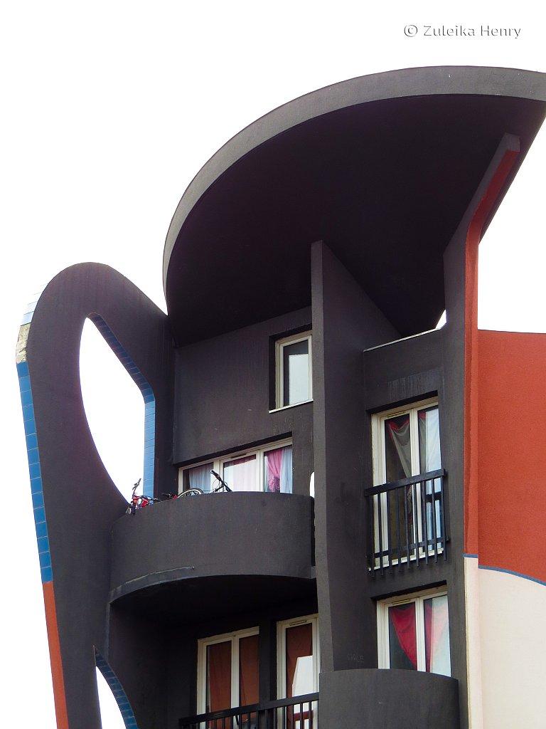 Apartment building designed by Ricardo Porro