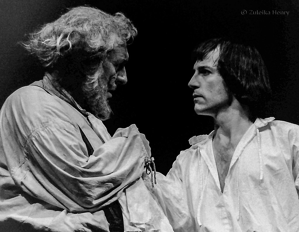 Robert Stephens as Sir John Falstaff and Michael Maloney as Prince Hal