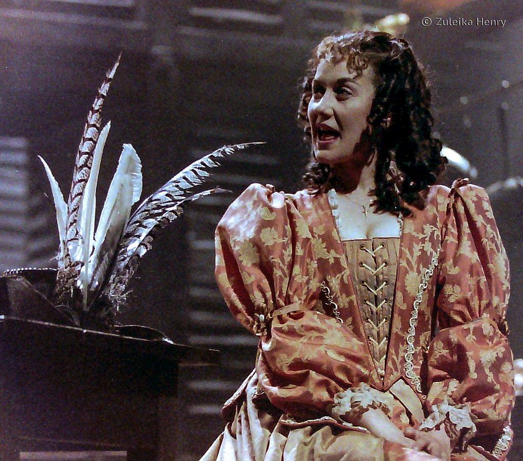 Alexandra Gilbreath as Roxanne