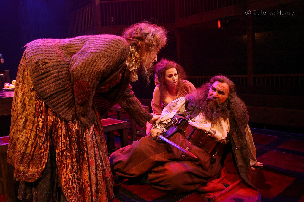 Luisa Strus as Mistress Quickly, Greg Vinkler as Falstaff and Susan Hart as Doll Tearsheet