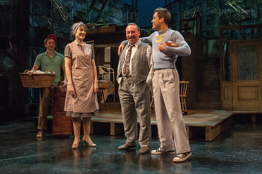Harriet Walter as Linda, Antony Sher as Willy, Alex Hassell as Biff and Sam Marks as Happy