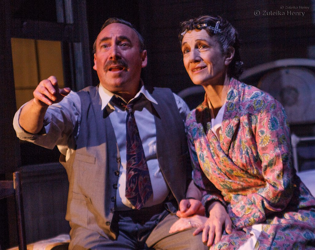 Harriet Walter as Linda Loman and Antony Sher as Willy Loman