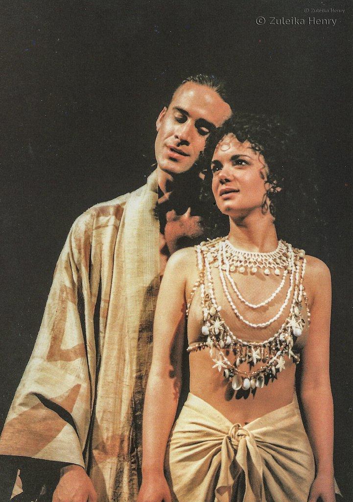 Joseph Fiennes and Victoria Hamilton in 'Troilus and Cressida' 1996/7
