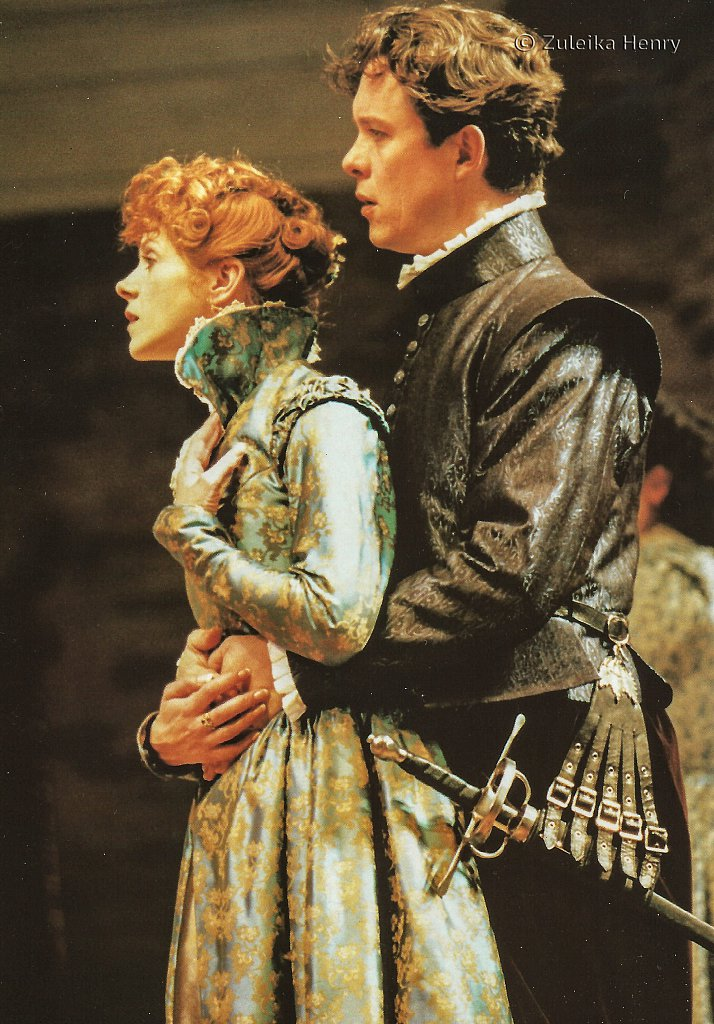 Siobhan Redmond as Beatrice and Alex Jennings as Benedick 'Much Ado About Nothing' 1996