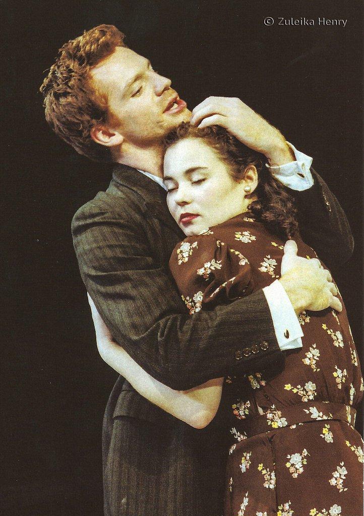 Jayne Ashbourne as Cressida and William Houston as Troilus 'Troilus and Cressida 1999