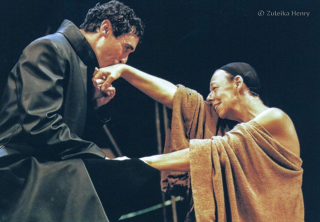 Guy Henry as Octavius Caesar and Frances De La Tour as Cleopatra 'Antony and Cleopatra' 1999