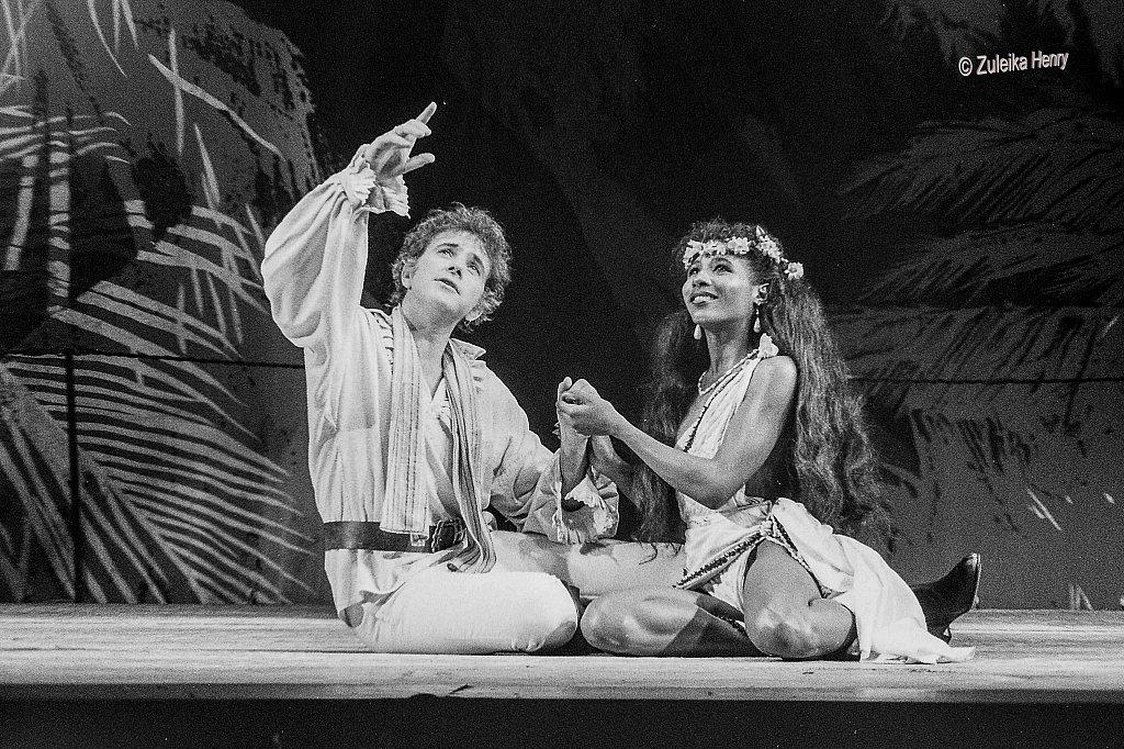 David Essex as Fletcher Christian and Sinitta Renet as Maimiti