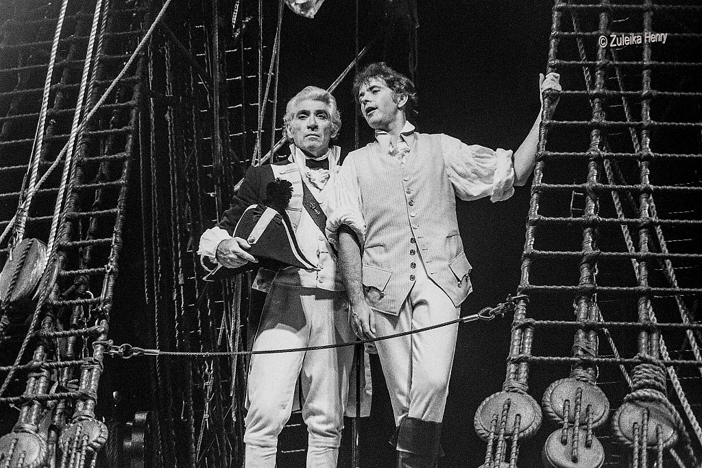 David Essex as Fletcher Christian and Frank Finlay as William Bligh