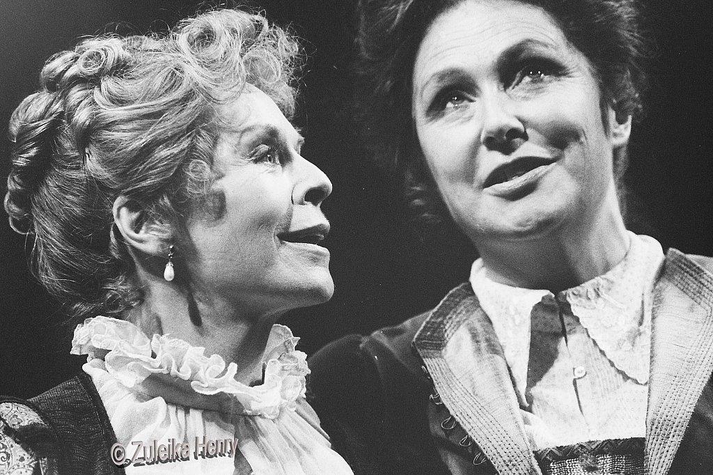 ©Zuleika HenrySusannah York as Mistress Ford and Joanna McCallum as Mistress Page