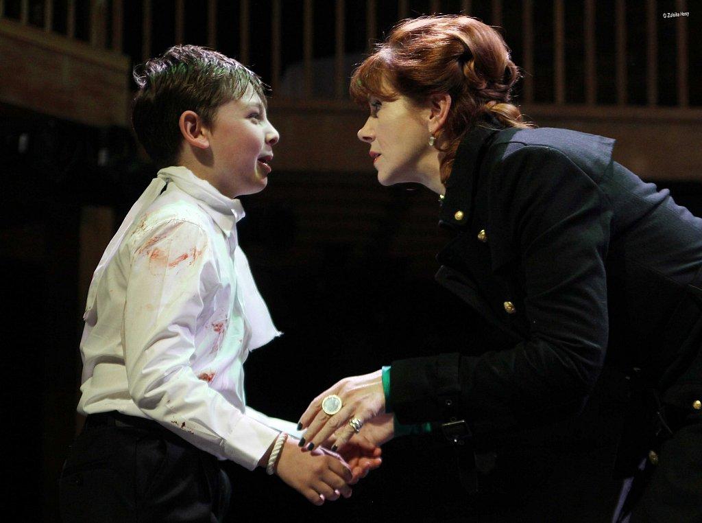 Nicholas-Mullan-as-Arthur-and-Siobhan-Redmond-as-Queen-Elinor-2.jpg