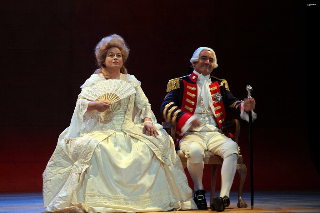 Beatie-Edney-as-Queen-Charlotte-and-David-Haig-as-King-George-III.jpg