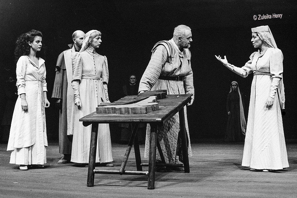 31-Zuleika-Henry-NT-King-Lear-1986-Antony-Hopkins.jpg