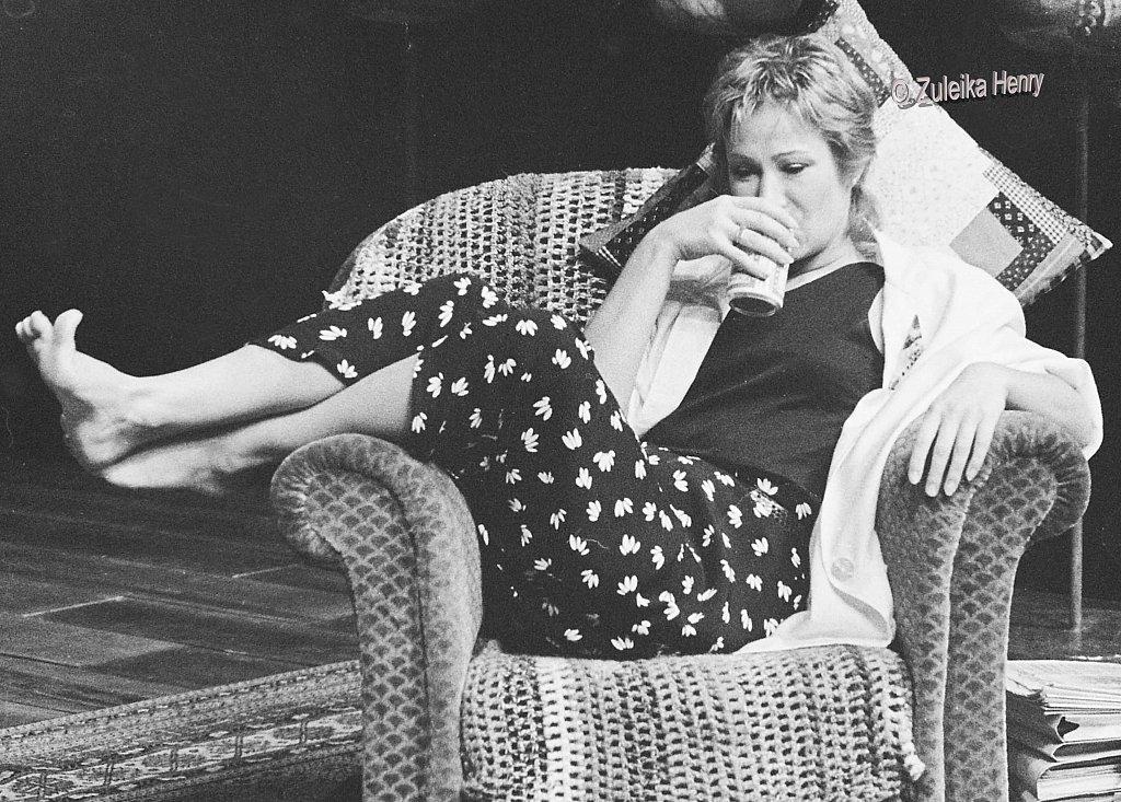 11-Zuleika-Henry-NT-Zoe-Wanamaker-in-2-plays-by-David-Hare-1986.jpg