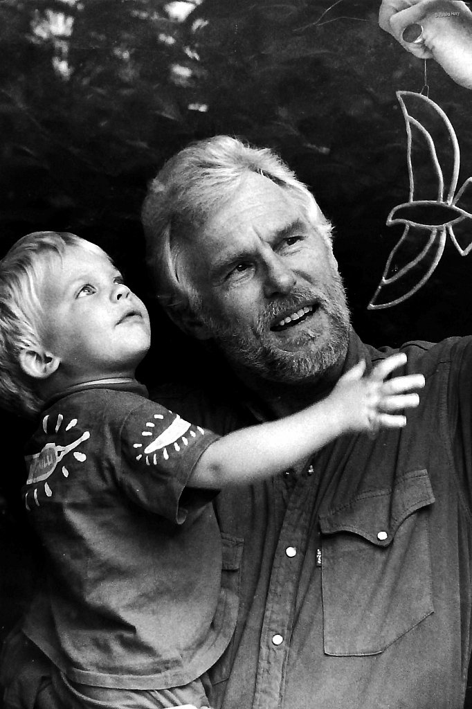 Richard-Taylor-with-grandson-Jake-Lacey-1993-2.jpg
