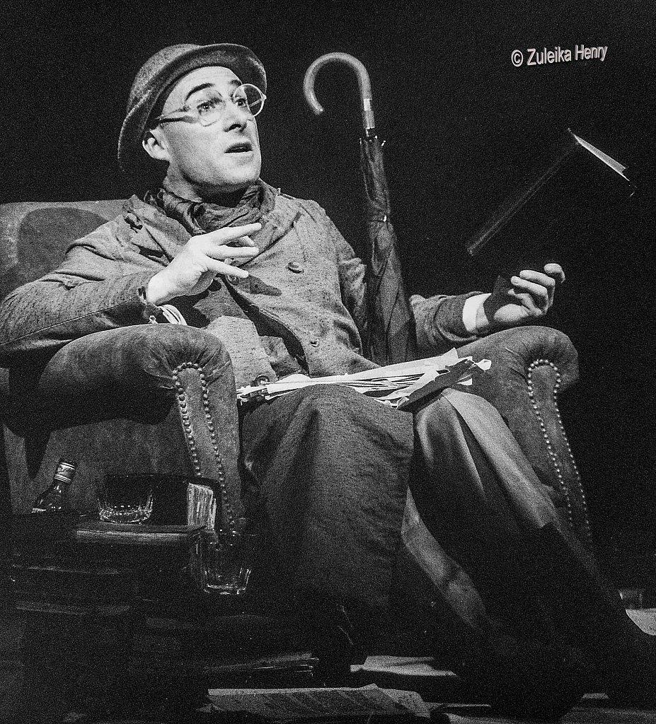 Antony Sher as Henry Carr