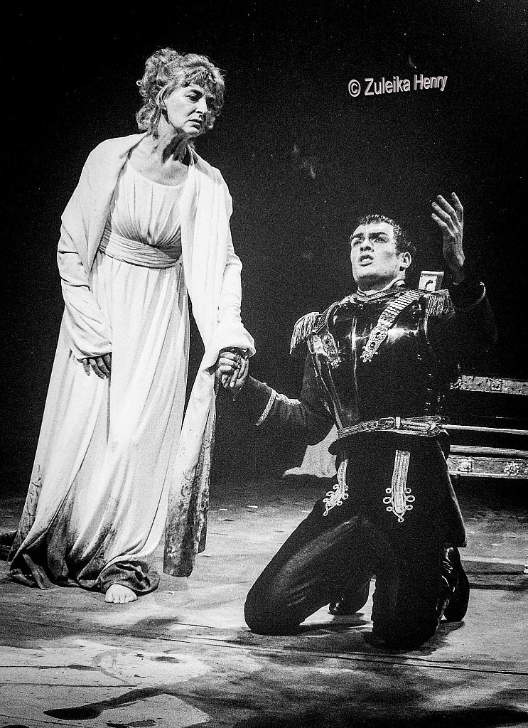 Toby Stephens as Coriolanus and Caroline Blakiston as Volumia