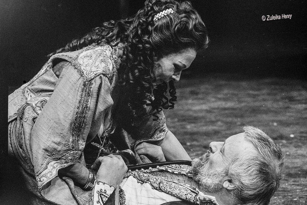 09-Zuleika-Henry-NT-Judi-Dench-and-Antony-Hopkins-Antony-and-Cleopatra-1987.jpg