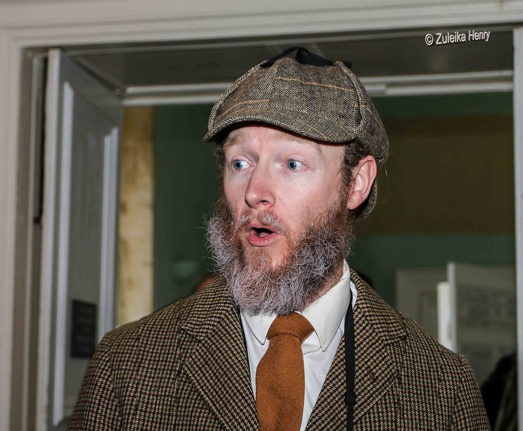 Gerard Cooke as Sir Greville