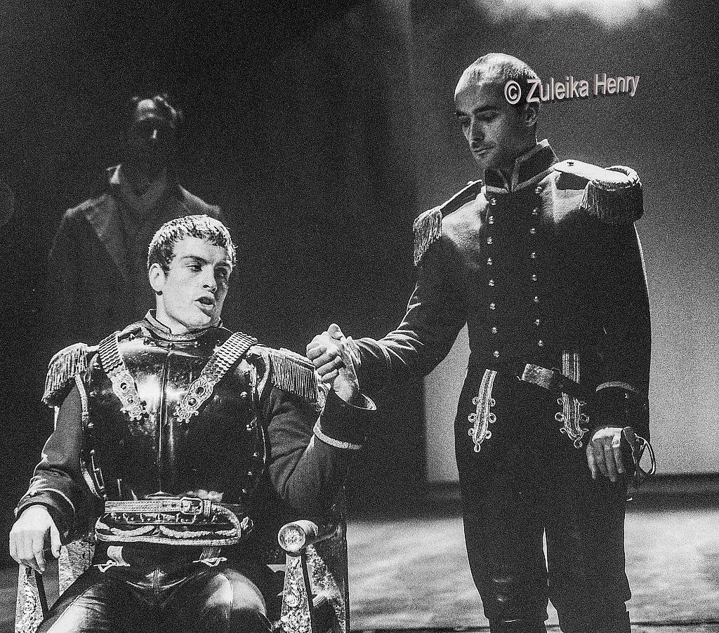 Toby Stephens as Coriolanus and Barry Lynch asTullus Aufidius